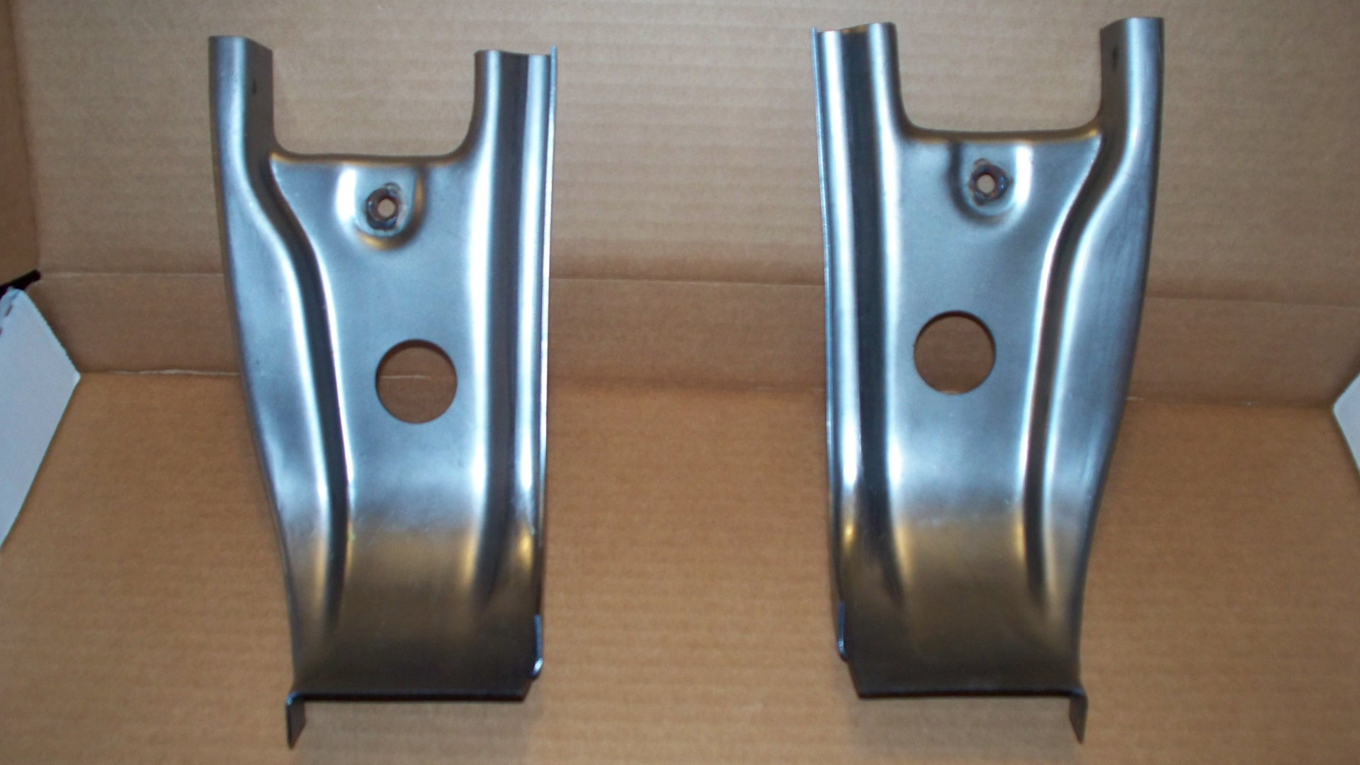 lowwr door hnge pillars 61/66 All F-Series Trucks